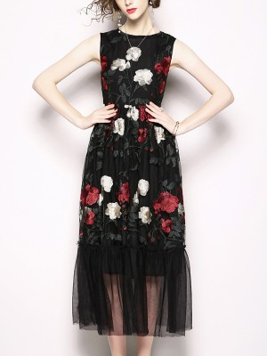 Black Floral Embroidered Liattern Sleeveless Maxi Dress