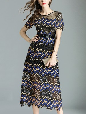 Black Zig-zag Pattern Textured Round Neck Maxi Dress