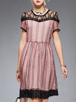 A-Line Lace Date Leaf Paneled Gathered Midi Dress