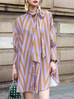 Tie-Neck Light Purple Shift Daily Zigzag Printed Buttoned Mini Dress